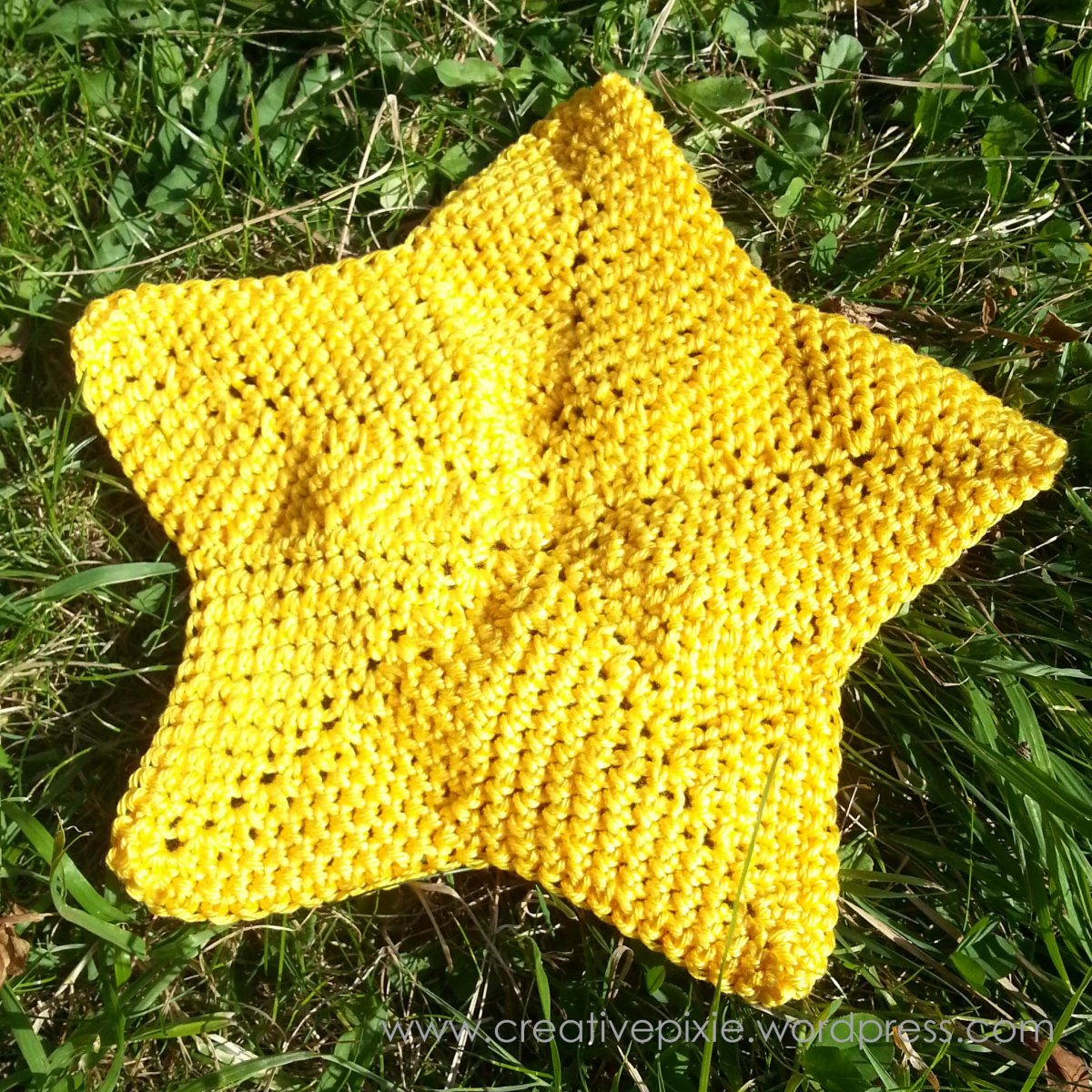 Free Crochet Star Dishcloth Pattern : A crochet star washcloth pattern