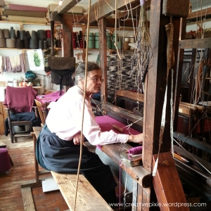creative pixie cultra loom weaving