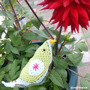 MIM creative pixie bower bird and dahlia