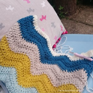thecreativepixie-ripple-blanket-in-progress
