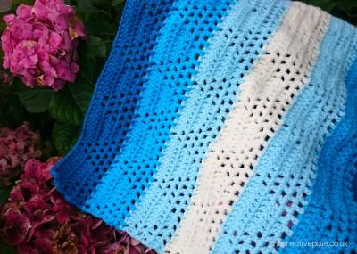 blanket-on-flowers-thecreativepixie